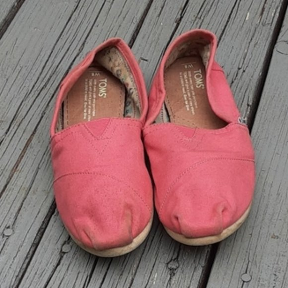TOMS Muted Coral Peach Classic Slip On Shoe │8
